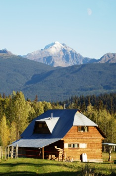 Ueli and Caroles living house - with thebeautiful Hudson Bay Mountain in the back.
